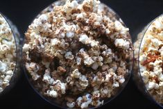 10 cups popped popcorn (or one bag plain microwave popcorn, popped) 4 Tbsp. butter One bag mini marshmallows, divided 1 sleeve graham crackers crackers) ½ cup mini chocolate chips Salt to taste Popcorn Snacks, Flavored Popcorn, Popcorn Bar, Popcorn Station, Bacon Popcorn, Microwave Popcorn, Fried Chicken Wings, Mini Chocolate Chips, I Love Food