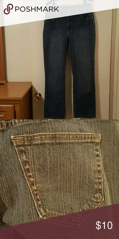 Stylish Riders Ladies Blue Jeans Stylish Riders Ladies Blue Jeans.....Size 14 Medium.....99% Cotton....1% Spandex Riders Jeans Boot Cut