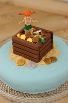 Pippitårta med skattkista | Bakinspiration.se Pippi Longstocking, Food Humor, Childrens Party, How To Make Cake, Kids Meals, Baked Goods, Cake Decorating, Birthday Parties, Good Food