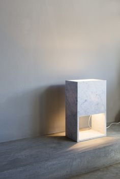 Andrew Trotter, Block Lamp - Photo Mari Luz Vidal