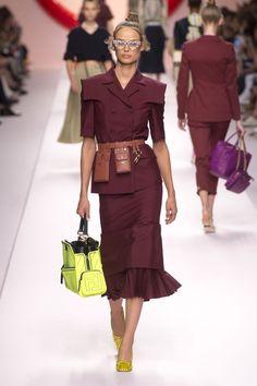 4970627c7102b Fendi Spring 2019 Ready-to-Wear Collection - Vogue Bolsa Fendi