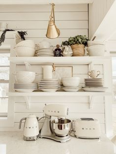 Best Snap Shots Primitive Kitchen shelves Tips Your home is termed one's heart entrance, as well as a country kitchen enjoys it has the comfort, allure, and . French Country Kitchens, Country Farmhouse Decor, Farmhouse Style Kitchen, Modern Farmhouse Kitchens, Home Decor Kitchen, Home Kitchens, Kitchen Ideas, White Farmhouse, Industrial Farmhouse Kitchen