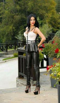 Pinterest : Js Babes in Heels 2 #highheelsstockings