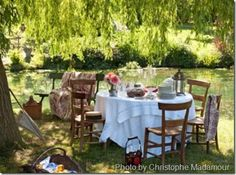 Mmm, French Country Tablescape