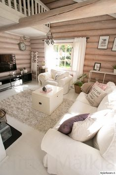 Cottages And Bungalows, Log Homes, Country Style, Beautiful Homes, Sweet Home, Cozy, Cottage Interiors, Bedroom, House