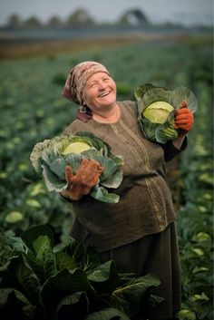 Picture of Olexandra Salo, Hlynske, Ukraine, holding cabbage in a field. National Geographic Feeding the World We Are The World, People Around The World, Wonders Of The World, Around The Worlds, National Geographic, Life Is Beautiful, Beautiful People, Ed Wallpaper, Plus Que Parfait