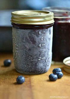 Make your own homemade jam with this easy Blueberry Freezer Jam recipe. Freezer Jam Recipes, Jelly Recipes, Freezer Cooking, Canning Recipes, Freezer Meals, Canning 101, Freezer Fudge Recipe, Kid Recipes, Diabetic Recipes