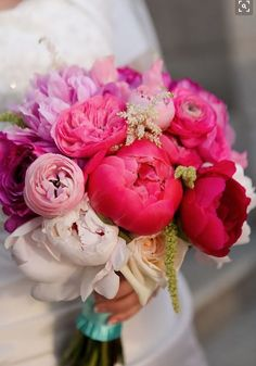 39 Ideas For Bridal Bouquet Roses Pink Peonies Diy Bouquet Mariage, Bouquet Bride, Ranunculus Wedding Bouquet, Bridal Bouquet Pink, Peonies Bouquet, Bridal Flowers, Pink Peonies, Wedding Bouquets, Pink Roses