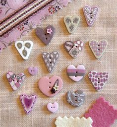 Button Couture - Assortment of Tea Rose Hearts made from polymer clay & hand painted / Boutique Nanou, France