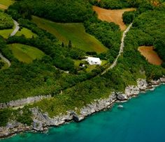 The Bermuda Railway Trail provides an unparalleled way to experience the island's natural beauty and serenity.