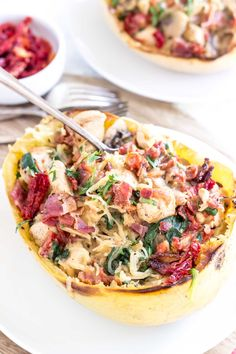 Paleo Tuscan Chicken Spaghetti Squash Boats packed with flavor from bacon, tomatoes, spinach, sun-dried tomatoes, and a delicious cream sauce! Paleo Whole 30, Whole 30 Recipes, Real Food Recipes, Chicken Recipes, Cooking Recipes, Healthy Recipes, Paleo Meals, Chicken Bacon, Budget Recipes