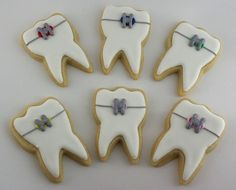 Dental Cookies - Perhaps one for one of our Dental Hygienists / Dental Nurses to make! #bakerygoodies #teeth #norwichdentist