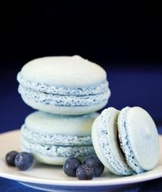 pale blue macaroons, macaroons will forever make me think of Amalie's.
