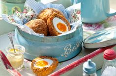 A simple Chorizo Scotch eggs recipe for you to cook a great meal for family or friends. Buy the ingredients for our Chorizo Scotch eggs recipe from Tesco today. Picnic Snacks, Picnic Foods, Scotch Eggs Recipe, Eggs Low Carb, Tesco Real Food, Pub Food, English Food, English Recipes, Maple Bacon