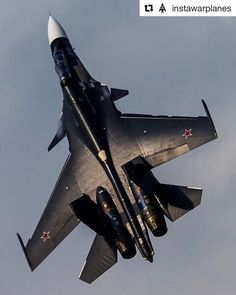 Sukhoi of Russian Navy painted with a beautiful black scheme Airplane Fighter, Fighter Aircraft, Russian Fighter Jets, Russian Military Aircraft, Reactor, Bomber Plane, Russian Air Force, Air Fighter, Naval