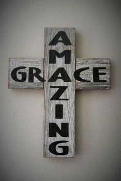 Amazing Grace Rustic Barn Board Cross Country by KACountryDecor Pallet Crafts, Pallet Art, Wood Crafts, Diy Crafts, Pallet Beds, Pallet Wood, Wooden Crosses, Wall Crosses, Crosses Decor