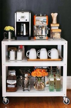 Office Coffee Station, Coffee Station Kitchen, Coffee Bars In Kitchen, Coffee Bar Home, Home Coffee Stations, Coffee Area, Coffee Room, Breakfast Station, Mini Cafe
