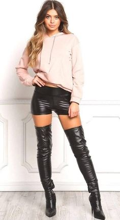 High Leather Boots, Leather Shorts, Thigh High Boots, Over The Knee Boots, Black Boots Outfit, Vinyl Clothing, Stiletto Boots, Hot Outfits, Cool Street Fashion
