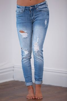These light wash distressed jeans are a perfect way to take our favorite fall looks into spring!