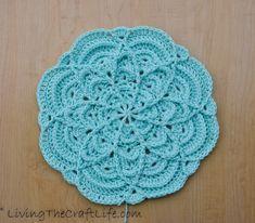 Crochet Table Runner Pattern, Crochet Mandala Pattern, Crochet Square Patterns, Crochet Blanket Patterns, Crochet Dollies, Crochet Flowers, Crochet Tutorials, Crochet Projects, Crochet Ideas