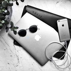 "13"" Macbook Sleeve - By @vadimstyles - Available on mujjo.com or through resellers worldwide. #mujjo . . #macbooksleeve #onthetable #blackgrey"