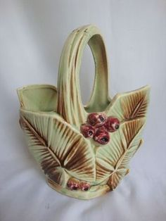 Vintage 1940's McCoy pottery basket with leaves and berries