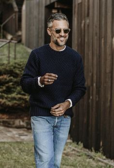 Best enjoyed alongside a warm beverage of your choice, The Wave Sweater in Navy by Taylor Stitch is your new go-to this winter. Preppy Mens Fashion, Older Mens Fashion, Casual Outfits, Men Casual, Fashion Outfits, Mens Attire, Well Dressed Men, Italian Fashion, Men Looks