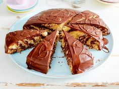 Kuchen fürs Büro, z.B. Hula-Hoop-Bountykuchen Rezept