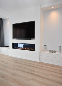 Fireplace Feature Wall, Living Room Decor Fireplace, Home Fireplace, Fireplace Design, Modern Tv Room, Modern Lounge, Living Room Modern, Built In Shelves Living Room, Open Plan Kitchen Dining Living