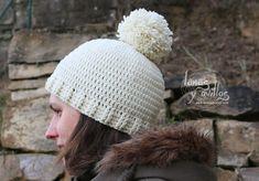 Video Tutorial Instrucciones para talla adulto con lana de 5mm y crochet de 4,5mm. Diámetro exterior del molde del pompón 13cm, interior 4cm