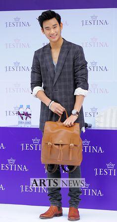 [June 10th 2012] Kim Soo Hyun (김수현) on J.ESTINA Fan Signing Event at Lotte Department Store (Jamsil Branch) #76 #KimSooHyun #SooHyun #JESTINA