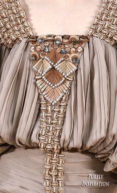 Chanel Spring 2016 Haute Couture (runway details) ♦F&I♦ Fashion Week, Runway Fashion, High Fashion, Fashion Beauty, Fashion Show, Womens Fashion, Couture Details, Fashion Details, Fashion Design