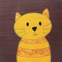 Happy Caturday! Cuddly Cats quilt pattern: https://shop.shinyhappyworld.com/collections/quilt-patterns/products/cats-quilt-pattern-workshop