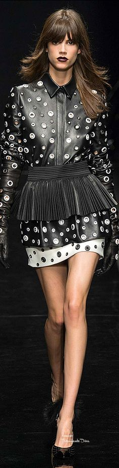 #PFW Emanuel Ungaro Fall 2015 RTW ♔THD♔ More of this collection on my Paris Fall 2015 RTW Fashion board.