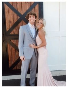 Prom Pictures Couples, Prom Couples, Prom Photos, Cute Couples, Prom Pics, Cute Homecoming Pictures, Pretty Prom Dresses, Hoco Dresses, Wedding Dresses