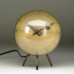 George Nelson / Howard Miller ~ spun brass desk clock with enameled hands on tripod base, Howard Miller label. George Nelson, Objets Antiques, Old Clocks, Vintage Clocks, Antique Clocks, Retro Clock, Alarm Clocks, Vintage Ephemera, Art Deco