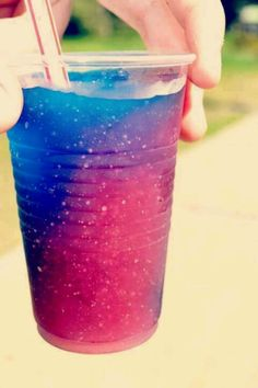 i repinned this from a girl named brenna lol. GALAXY SLUSHIE :D
