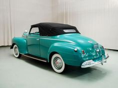 1941 Plymouth Deluxe - love love love the colour