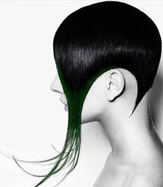 Geometric curvy sidecut, black hair + teal green hair ends Short Black Hairstyles, Funky Hairstyles, Latest Hairstyles, Short Hair Cuts, Short Hair Styles, Edgy Haircuts, Color Fantasia, Competition Hair, Avant Garde Hair