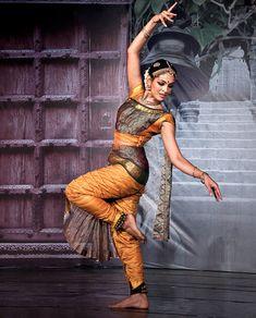 Rukmini Vijayakumar is an Indian film actress and Bharatanatyam dancer from Bengaluru (also called Bangalore) which is the capital of India's southern Karnataka state. Rukmini is an amazing dancer.