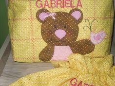 Necessaire e sacolinha personalizada em patchwork e patchaplique. O valor é unitário. (personalizo) R$ 35,00