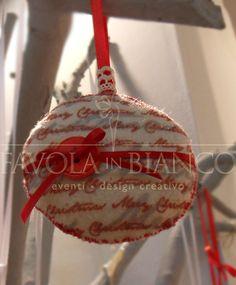 Christmas gifts - pallina di feltro da appendere fatta a mano