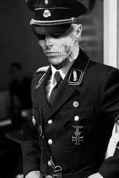 Zombie boy aka Rick Genest. I don't know why but I find him semi attractive in this picture. Maybe it's how mysterious he looks...