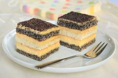Mákos krémes Poppy Cake, Hungarian Recipes, Hungarian Food, Mac, Cake Bars, Something Sweet, Tiramisu, Cheesecake, Yummy Food