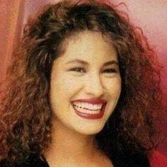#selena #selenaquintanilla #selenaquintanillaperez #selenaylosdinos #beautiful #angel #lareina #leyenda #tejano #texmex #mexican #mexico #texas #corpuschristi #mexicanamerican #comolaflor #amor #corazon #lareina #queenoftejano #cumbia #cosmetics #queenoftejano #makeup #latina #fashion #hermosa #fashion #shoes #latin