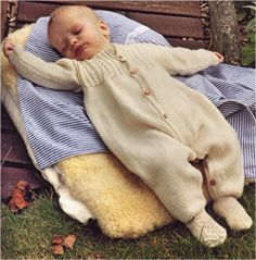 Схема вязания спицами, комбинезон р-ры 50-56 см, 62-68см Baby Knitting, Children, Young Children, Boys, Kids, Baby Knits, Child, Kids Part, Baby Afghans