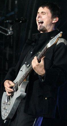 Matt Bellamy - Muse - Oxegen Festival, Punchestown. Eire (July 2004)