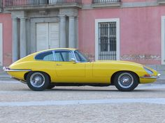Jaguar E Type coupe 1966 British Sports Cars, Classic Sports Cars, Classic Cars, Yellow Car, Mellow Yellow, Jaguar Type, Jaguar Cars, Jaguar Xk, Automobile