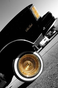 All gold❤loved when he had them on his first cutlass.