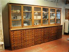 Elemental antique vintage retro furniture lighting seating : antique : Antique Oak Cabinet